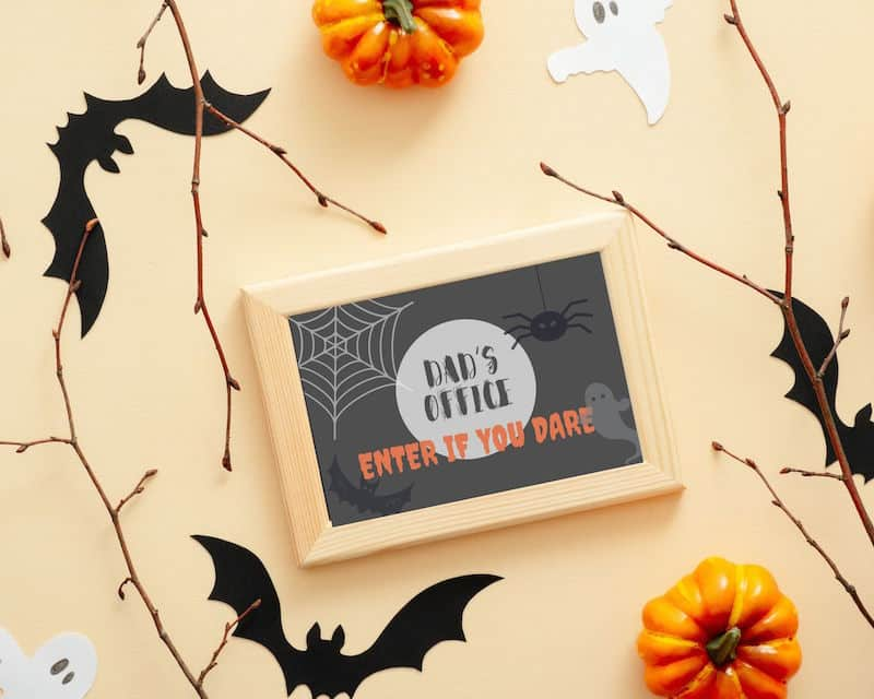 """Halloween Office Door Sign for Dad """"Dad's Office. Enter if you dare."""""""